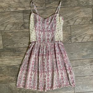 Abercrombie & Fitch Dresses - Abercrombie & Fitch Pattern Dress
